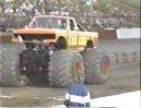 モンスタートラッククラッシュ映像